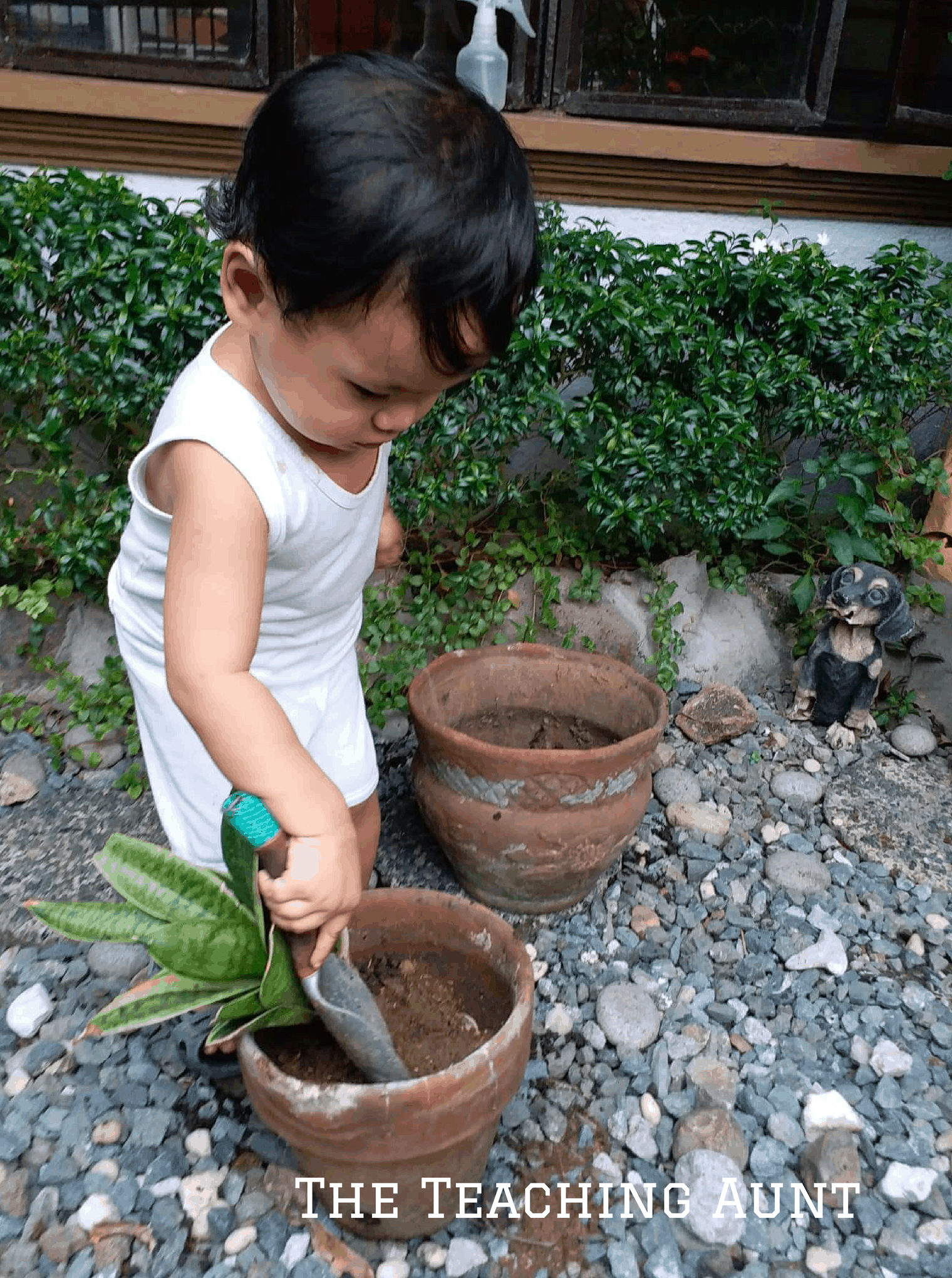 Using Gardening Spade -NO PREP Outdoor Activity for Toddlers